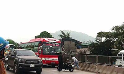 Thanh Hóa: Nhóm côn đồ dùng vũ khí đập phá xe khách | The Thaiger
