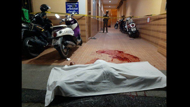 Police shoot knife-wielding attacker in Phuket Town | News by Thaiger
