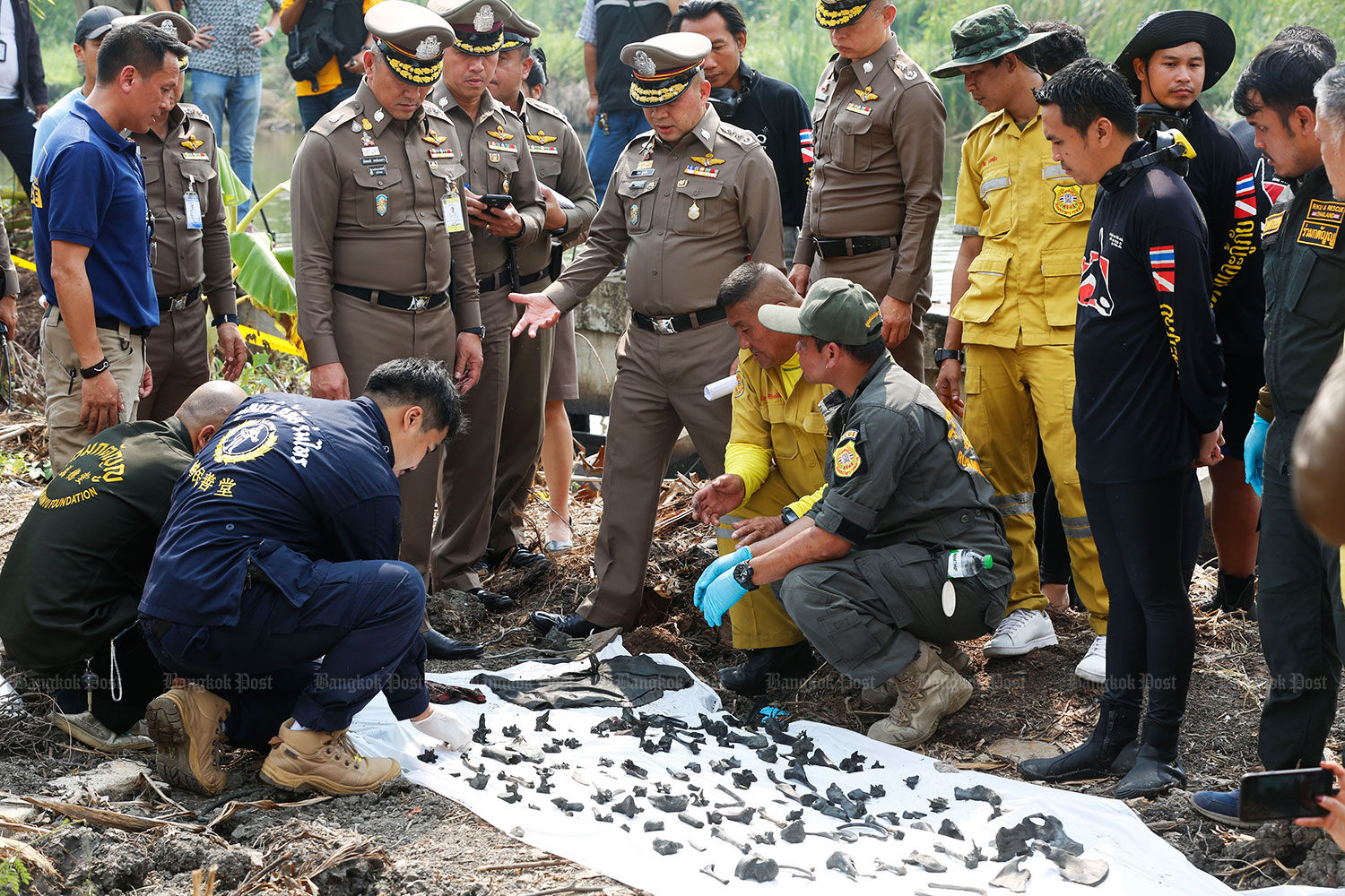 Nearly 300 bone fragments found in Bangkok pond, police searching for more bodies   News by Thaiger