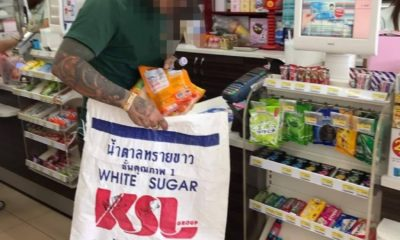 Thai shoppers get resourceful to deal with the plastic bag ban | Thaiger