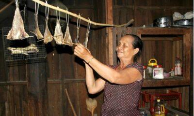Thịt khô gác bếp ngon nức nở của người Tây Nguyên dịp Tết | The Thaiger