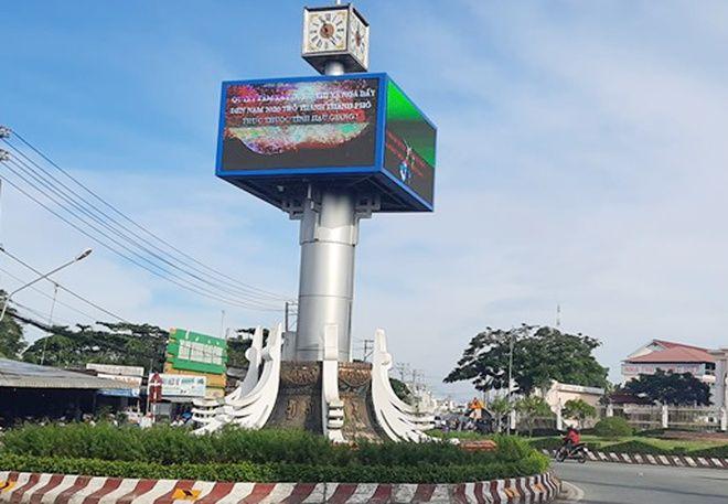 Hậu Giang: Trụ đèn trang trí Tết phát cháy | News by Thaiger