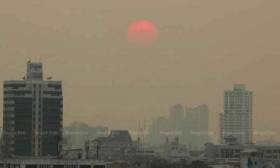 Thai PM mulls private car ban in pollution-stricken areas | The Thaiger