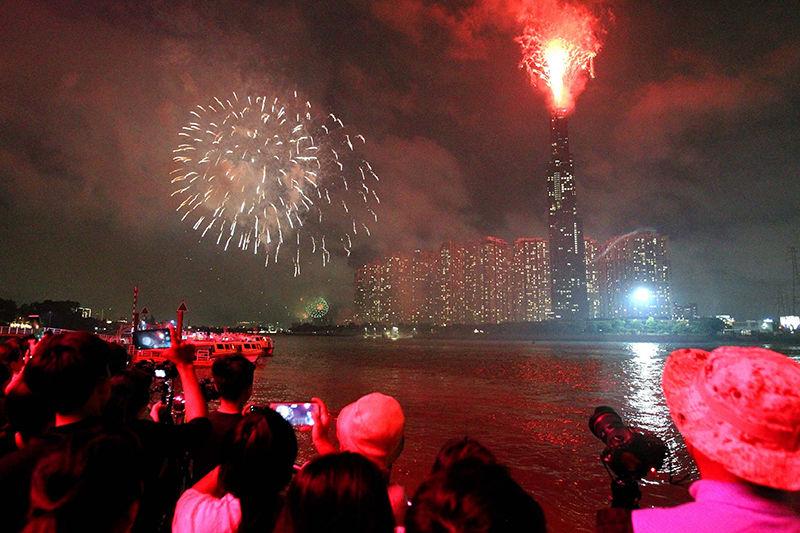 Các điểm bắn pháo hoa tại Hà Nội, TP. HCM và nhiều tỉnh thành vào đêm Giao thừa Tết Canh Tý 2020   News by Thaiger