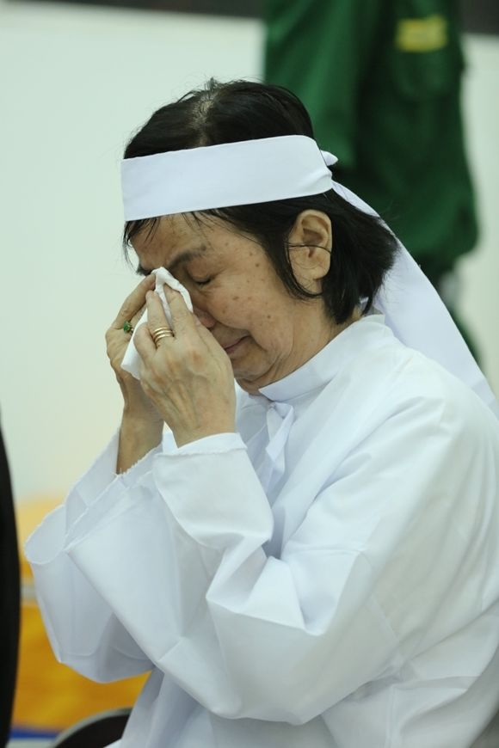 Vợ nghệ sĩ Chánh Tín suy sụp khi chồng qua đời | News by Thaiger