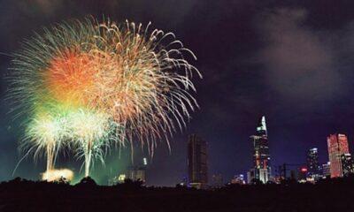 TP HCM: Bắn pháo hoa 7 điểm mừng năm mới Canh Tý 2020 | The Thaiger