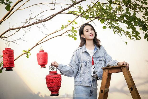 Phùng Thiệu Phong và Triệu Lệ Dĩnh mặn nồng trong quảng cáo mới   News by Thaiger