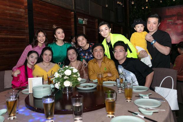 Gil Lê và Hoàng Thùy Linh rộ tin đồn mua nhà sống chung   News by Thaiger