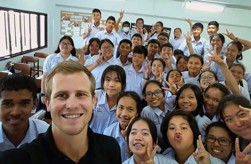3 solutions to Thailand's English teacher shortage | Thaiger