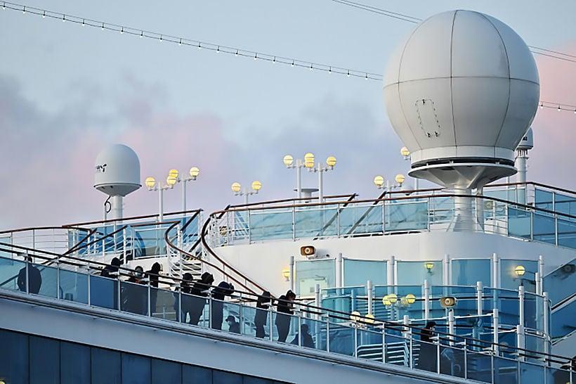 Passengers leave Yokohama virus ship, China toll tops 2000 | Thaiger