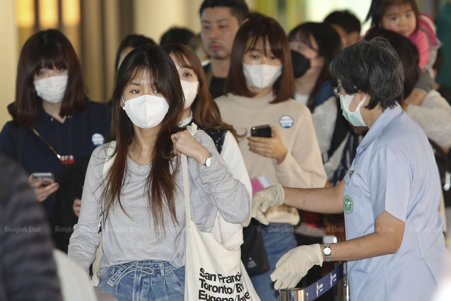 Public Health Ministry urges Thais to delay visits to Japan, Singapore | Thaiger