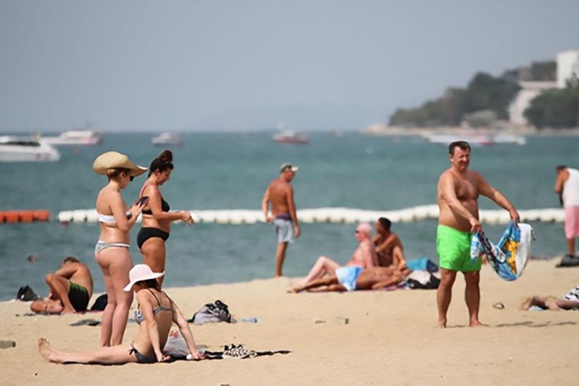 """Forgotten tourists"" enjoy Pattaya | News by Thaiger"
