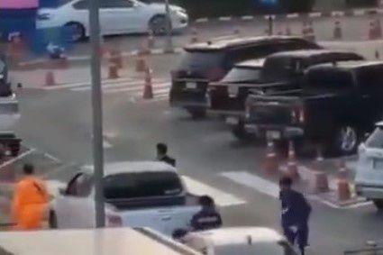 Binh sĩ Thái Lan xả súng ở trung tâm thương mại khiến 20 người thiệt mạng | News by Thaiger