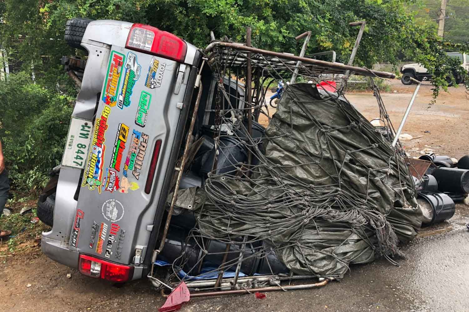 Rescue worker struck and killed at accident scene | News by Thaiger