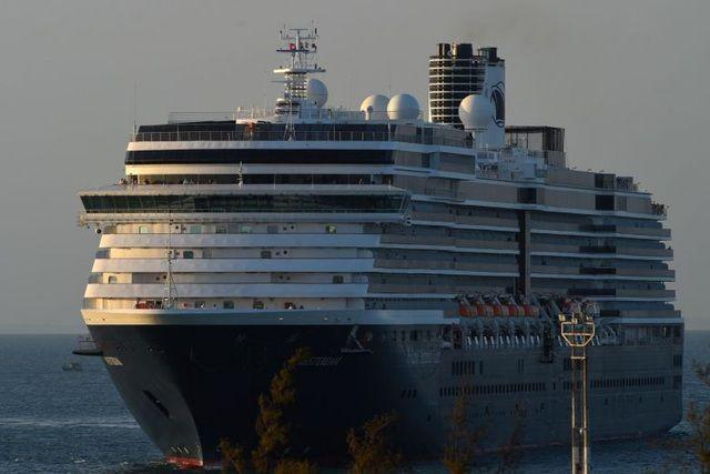 Truy tìm khẩn cấp hơn 1.000 hành khách trên du thuyền mới cập cảng ở Campuchia   News by Thaiger