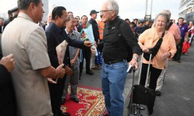 Truy tìm khẩn cấp hơn 1.000 hành khách trên du thuyền mới cập cảng ở Campuchia   Thaiger