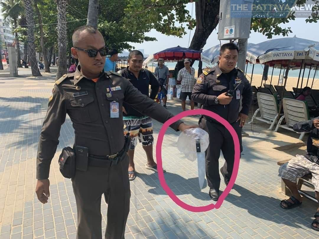 Drunken man arrested threatening people with large knife on Pattaya beach | Thaiger