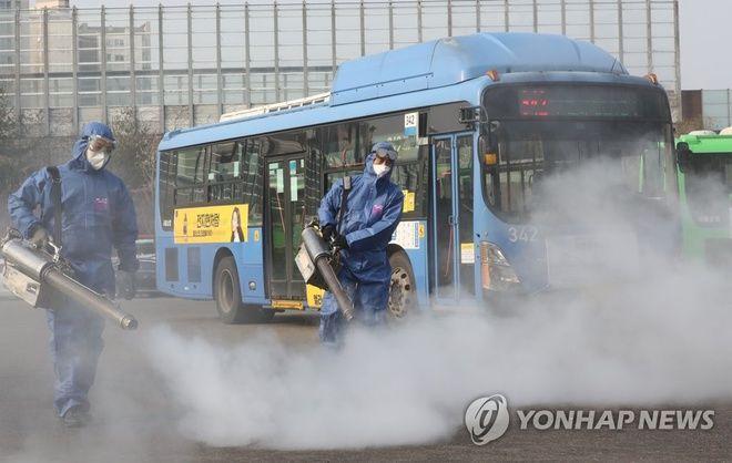 Hàn Quốc thêm 142 ca nhiễm virus corona, thủ tướng thừa nhận thất bại | News by Thaiger