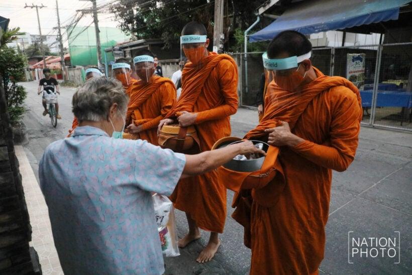 Bangkok monks now sporting bespoke facemasks   News by Thaiger