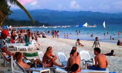 """Thai government """"in discussions"""" over stranded foreigners 