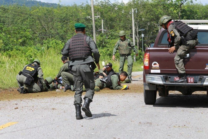 One soldier dead, two injured in southern gunfight | News by Thaiger