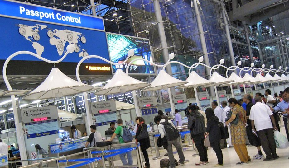 Foreign Ministry to work with Tourism Authority to speed up entry paperwork for foreigners | Thaiger