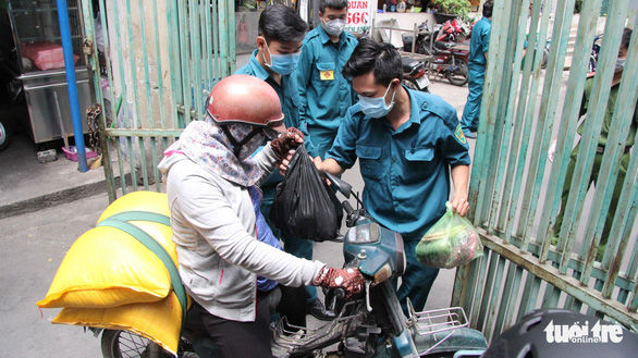 Chung cư Hòa Bình quận 10 ra sao sau khi có bệnh nhân nhiễm virus corona | News by Thaiger