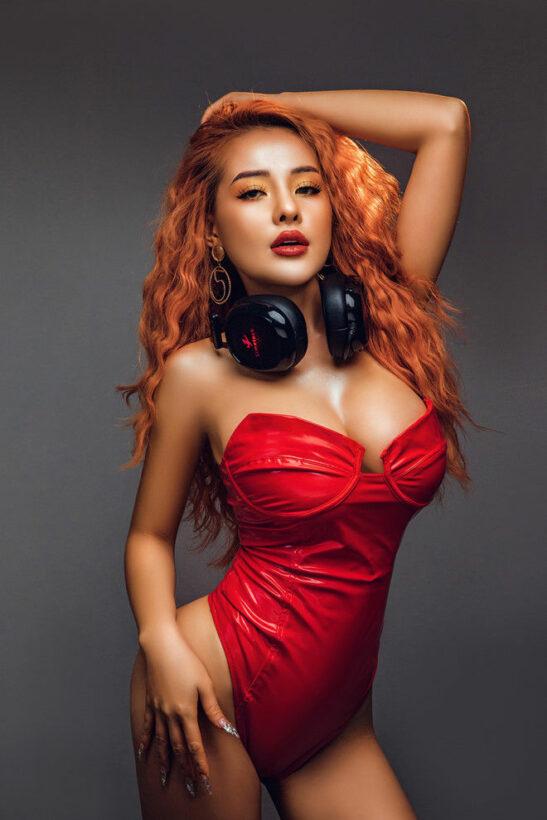 Lộ hình ảnh hot girl Ngân 98 bị tạm giữ vì ma túy | News by Thaiger