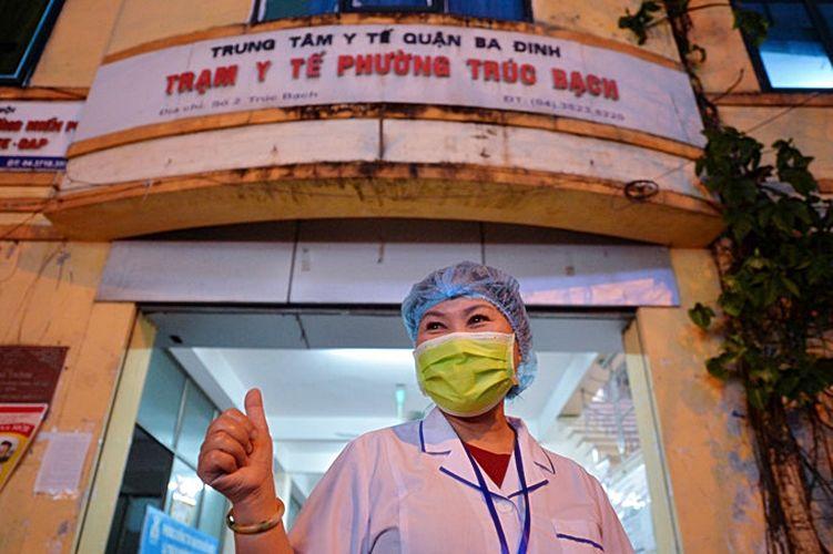 Hà Nội: Người dân phố Trúc Bạch mừng như Tết ngày dỡ cách ly   News by Thaiger