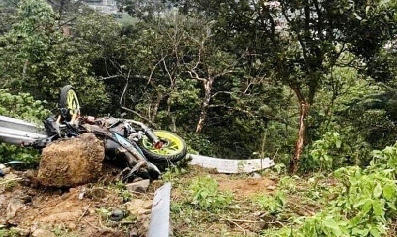 Vĩnh Phúc: Ô tô lao xuống vực sâu, 4 người tử vong   Thaiger