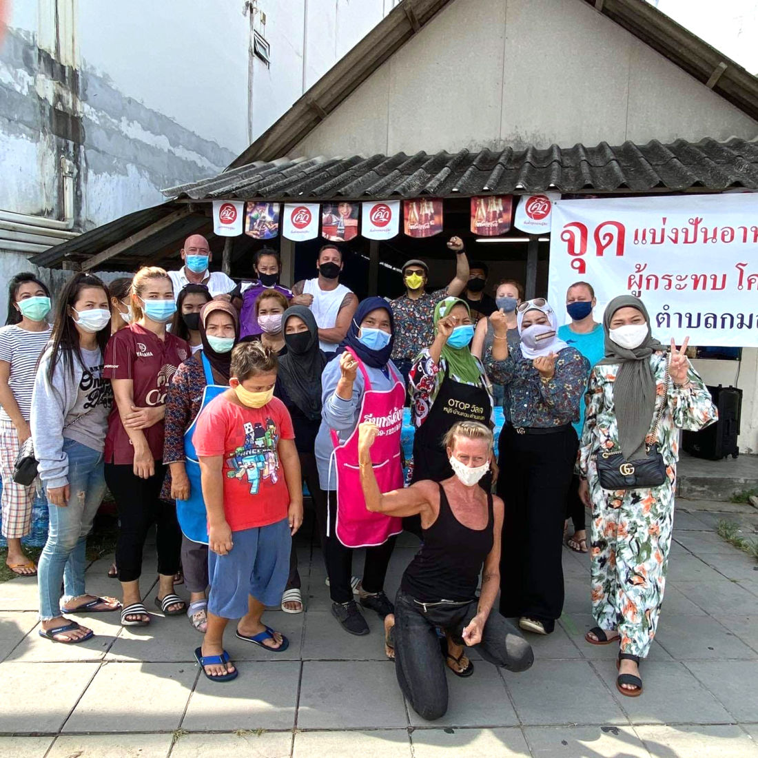 Many farangs chipping in to help their stricken communities - VIDEO   News by Thaiger