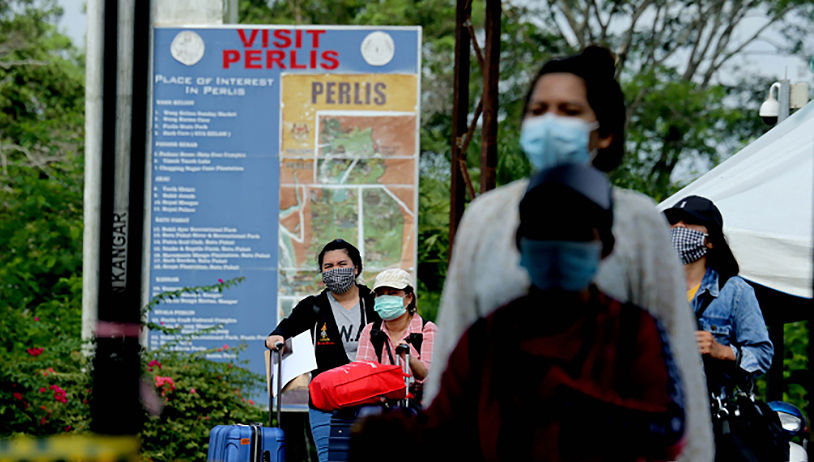 Thailand reports 53 new virus cases, 1 more death (Saturday) | Thaiger