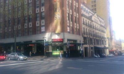 2 Aussies win $7,500 each in racial discrimination suit   Thaiger