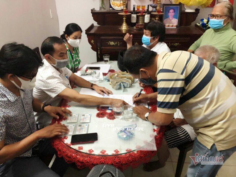 TP HCM: Cập nhật thông tin về cụ ông ăn xin có 12 chứng minh thư   News by Thaiger