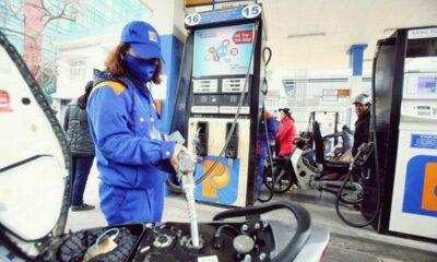 Hôm nay giá xăng giảm xuống 10 ngàn/lít, mức thấp nhất từ năm 2007 | Thaiger