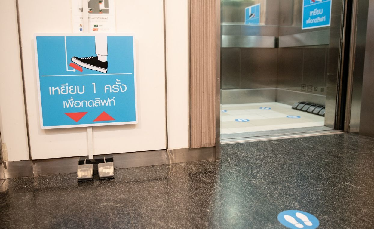 'New normal' seen in shopping malls across Bangkok | News by Thaiger