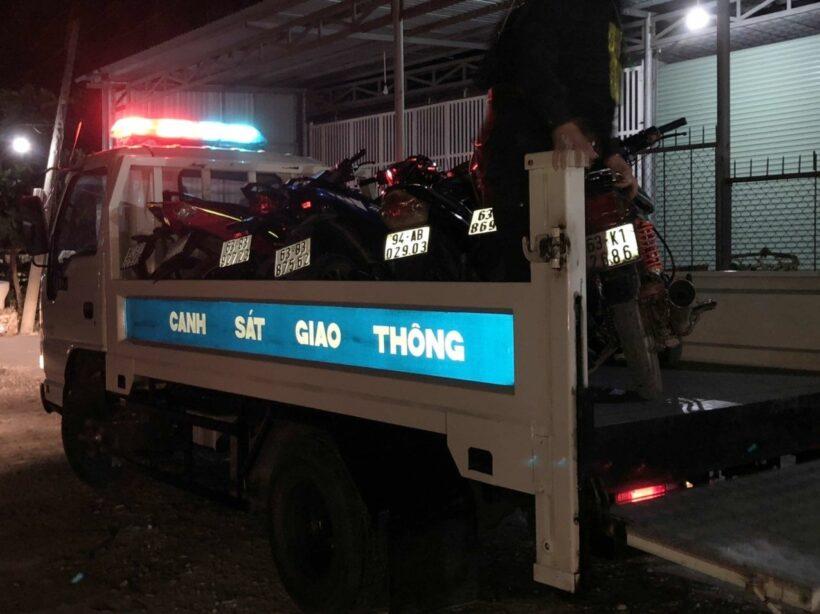 Tiền Giang: Cán bộ CSGT bị dân tổ tông gãy chân, xuất huyết não   News by Thaiger