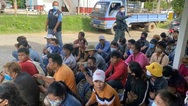 Immigration police catch 54 illegal immigrants at Thai-Cambodia border   News by Thaiger