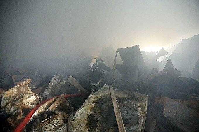 Hà Nội: Ba người tử vong trong vụ cháy xưởng thuốc | News by Thaiger