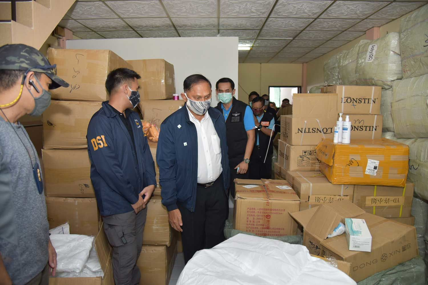 Masks, hand gel and PPE valued at 5 million baht seized in Bangkok | News by Thaiger