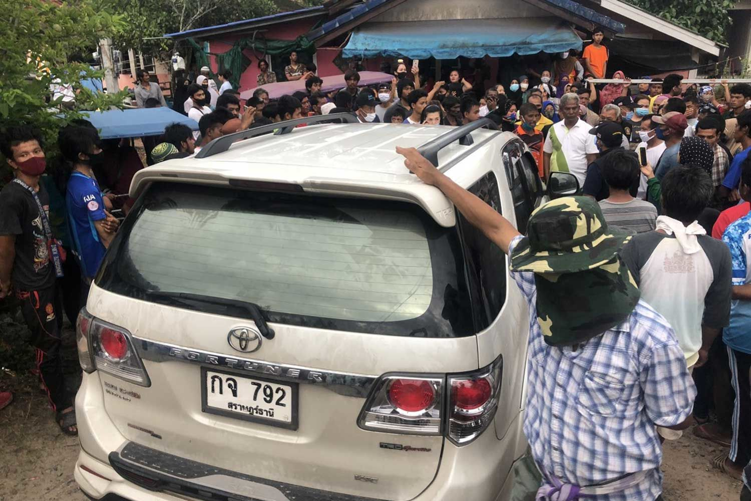 Surat Thani police extortion case - police chief promises swift and thorough investigation | News by Thaiger