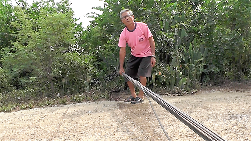 Villagers in central Thailand in a tangle over cables