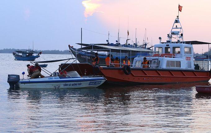 Quảng Nam: 5 người mất tích trong vụ tai nạn lật ghe | News by Thaiger