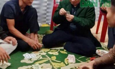 Hà Tĩnh: Phạt tiền chủ tịch xã thản nhiên đánh bạc giữa lúc dịch phức tạp | Thaiger