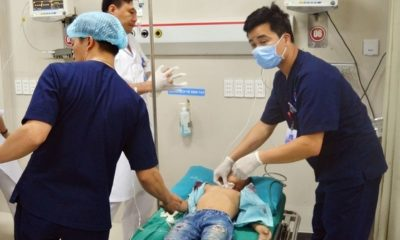Phú Thọ: Bé trai bị tấm tôn trên xe hàng cắt vào cổ | Thaiger