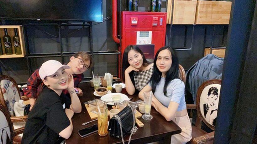 Lynk Lee tự tin diện croptop khoe eo thon, đọ sắc cạnh hội chị em | News by The Thaiger