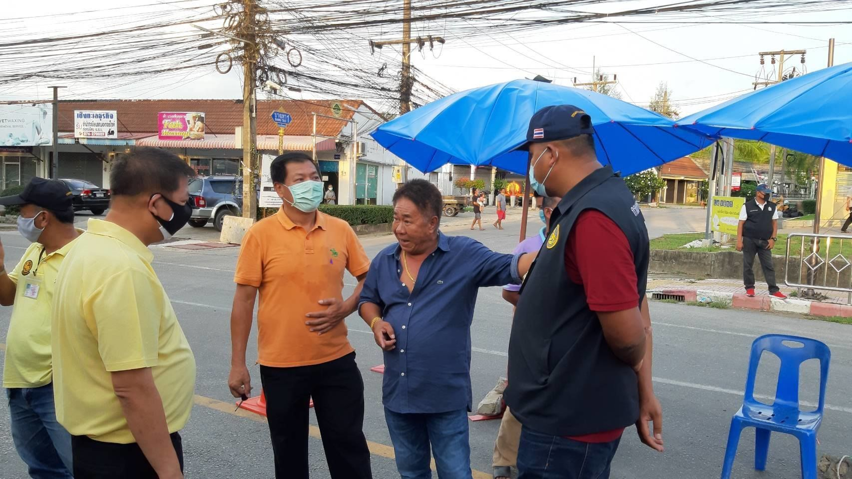 Phuket's Bang Tao tambon erupts over continued restrictions | News by The Thaiger