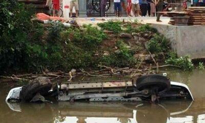 Nam Định: Xe ô tô Toyota lao xuống sông khiến 2 người tử vong, 1 người bị thương | The Thaiger