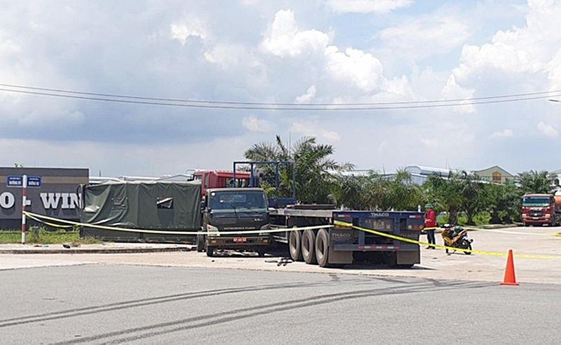 Bình Dương: Xe container tông xe biển đỏ khiến 1 người chết, 6 người bị thương | News by Thaiger