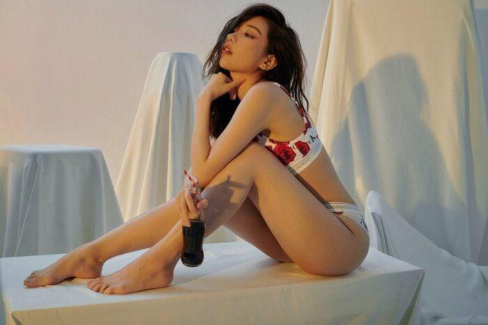 """Fan """"gục ngã"""" trước bộ ảnh quảng cáo nội y sexy của MIN   News by Thaiger"""